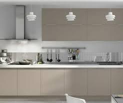 cuisine gris taupe cuisine couleur gris perle idées décoration intérieure farik us