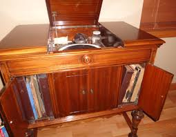 victrola record player cabinet michelle knows antiques past appraisals 1920s victrola
