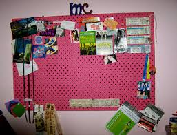 Decorate Room With Paper Dorm Room Design Tip Use Scrapbook Paper To Decorate Your Walls