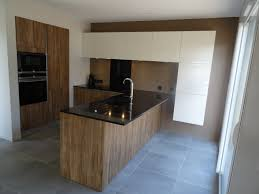 cuisines contemporaines haut de gamme cuisine haut de gamme nodato miele et granit noir absolu poli