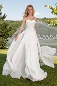 robe mariã e fluide robe de mariée fluide avec bustier cœur oksana mukha