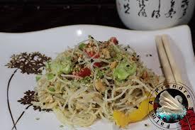 cuisiner vermicelle de riz vermicelles de riz aux œufs et légumes sauce satay a prendre sans faim