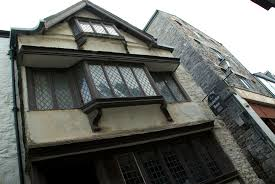 getting the elizabethan house ready for mayflower commemorations