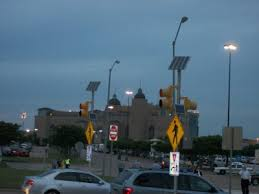 Solar Traffic Light - 6 really cool ways we use solar that you just have to see