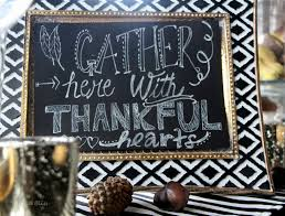how to decorate a thanksgiving dinner table thanksgiving tablescape black white gold natural elements