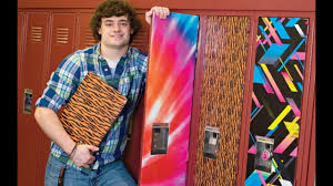 Magnetic Locker Wallpaper by Cool Locker Ideas A Quick And Easy Way To Decorate Your Locker