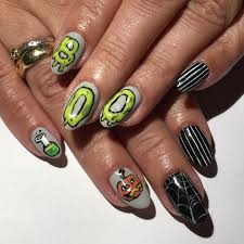 halloween nail art that will pair perfectly with your costume