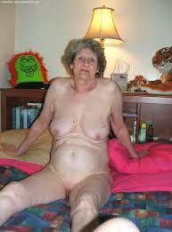 Mature Naked Granny Outdoors   AdultPicz com wenaked net