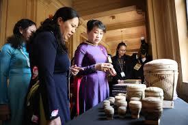 sultan hassanal bolkiah wives in photos the asean leaders u0027 summit