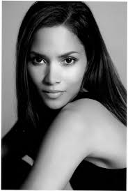 25 Beautiful Black And White by Best 25 Halle Berry Young Ideas On Pinterest Halle Berry Age