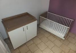 chambre tinos autour de bébé lit évolutif bébé enfant commode à langer matelas en