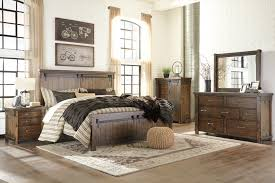 signature design by ashley lakeleigh brown queen 4 piece bedroom signature design b718 4pbsq