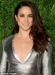 does megjan kelly wear hair extensions meghan markle s natural look at engagement announcement daily