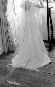 where can i sell my wedding dress lhuillier dress veil sell my wedding dress online