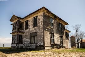 abandoned houses images reverse search