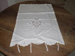 brise bise coeur paire de brise bise en lin textiles et tapis par secrets de maisons