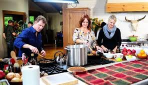 the pioneer and bobby flay in thanksgiving throwdown