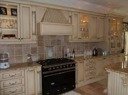 White Cabinets And Dark Countertops Kitchen Backsplash Designs