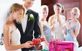 wedding gift guidelines a guide to the best wedding gifts that newlyweds will