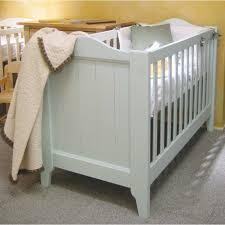 chambre bébé bois naturel lit bébé bois massif tilleul fabriqué artisanalement bois brut