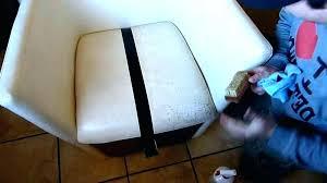 nettoyage cuir canapé nettoyer canape cuir blanc comment nourrir un canape en cuir comment