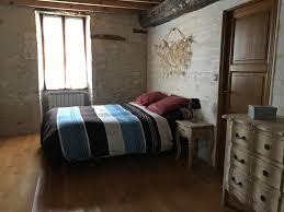 baise dans la chambre gîte maison bellevue à valence sur baise gers gîtes de