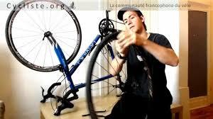 comment changer chambre à air vélo remplacer et changer une roue de vélo facilement