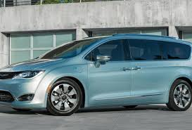 chrysler minivan 2017 chrysler pacifica 10 most innovative features on