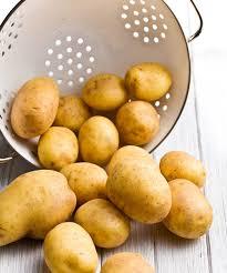 comment cuisiner des pommes de terre astuces cuisine comment cuire vos pommes de terre rapidement