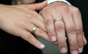 What Finger Does The Wedding Ring Go On by 10 Things You Need To Know Before A German Wedding The Local