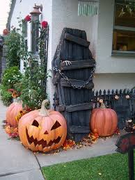 Yard Halloween Decorations 22 Amazing Diys For Outside Halloween Decorations 9 Coffins