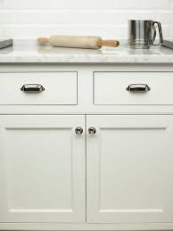 kitchen cabinets with cup pulls knobs4less com offers top knobs top 61284 cup pull polished