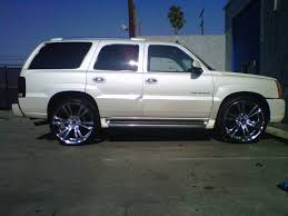 cadillac escalade black rims cadillac escalade on 26 inch 2 crave u0027s rent a wheel rent a tire
