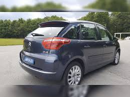 citroen c4 picasso trunk citroen c4 picasso 1 6 hdi 110 collection bmp bva carventura