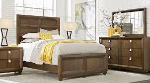 reynoldstown brown 5 pc queen panel bedroom queen bedroom sets