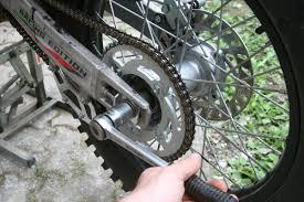 chambre a air moto demontage remontage d un pneu avec chambre a air en moins de 3 mn