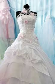 wedding dress cleaning wedding gown dress cleaning schwegmans cleaning laundry