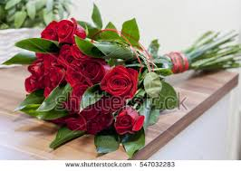 roses bouquet roses bouquet stock images royalty free images vectors