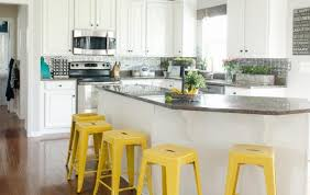how to paint kitchen cabinets with chalk paint what s the best way to do chalk paint kitchen cabinets how to