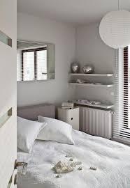 couleur deco chambre a coucher decoration idées de déco chambre coucher couleur neutre coussins