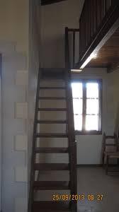 schmale treppen schmale treppe zum schlafbereich helianthos traditional villas in