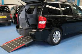 kia vehicles kia sedona wheelchair access car yj09avv wheelchair accessible