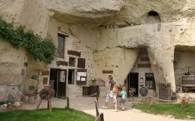 chambre d h e troglodyte touraine troglodytes un monde souterrain en saumurois office de tourisme
