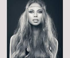 hippie hairstyles for long hair 30 splendid hippie hairstyles slodive
