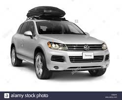 volkswagen suv white silver 2011 volkswagen touareg mid size crossover suv with a roof