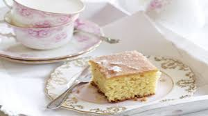 mary berry u0027s lemon drizzle cake good food channel