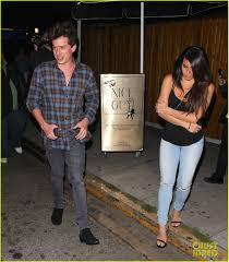 charlie puth jeans charlie puth has a fun night at the nice guy photo 981313
