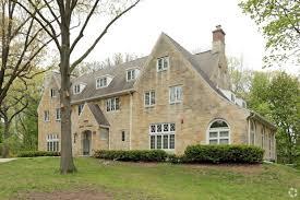 One Bedroom Apartments Iowa City Apartment Rentals Am Management Iowa City Ia