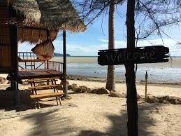 castaway beach bungalows hinkong thailand booking com