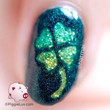 piggieluv glitter shamrocks nail art for st patrick u0027s day giveaway